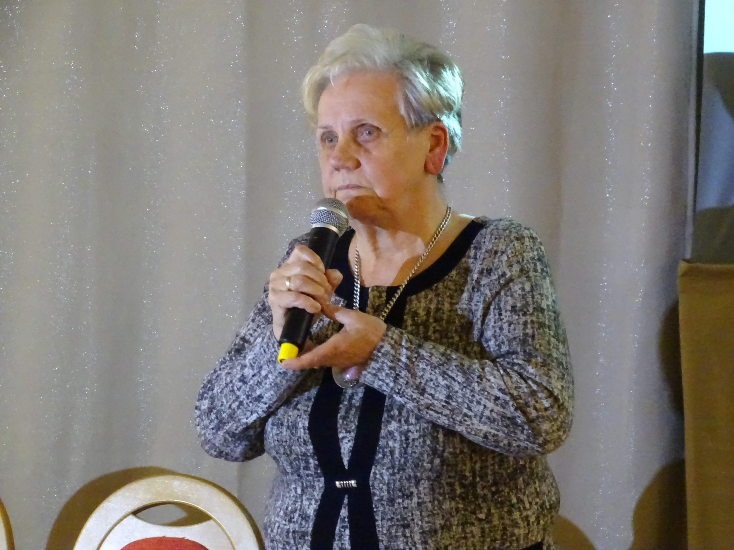 Zofia Przybyłowska mówiła o pomocy mieszkańców Brzeszcz dla wysiedleńców z Boru