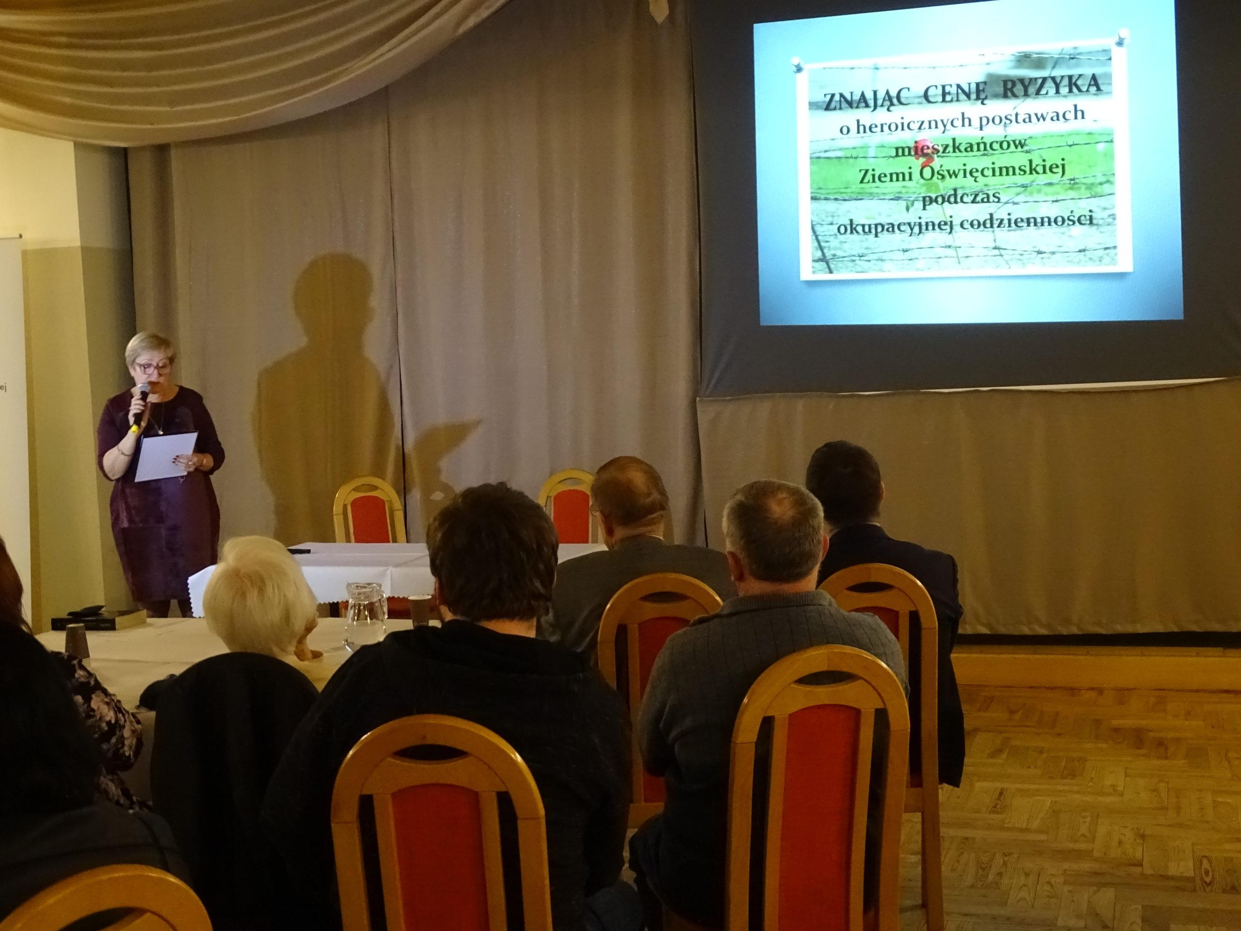 """Projekt edukacyjny """"Znając cenę ryzyka…"""" przedstawiła Jolanta Hodur"""