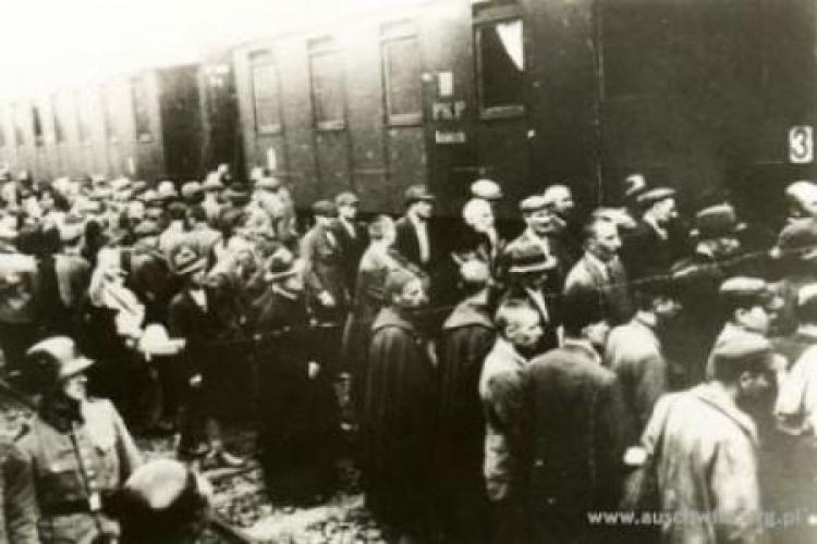 Pierwszy transport więźniów do obozu Fot. Auschwitz.org